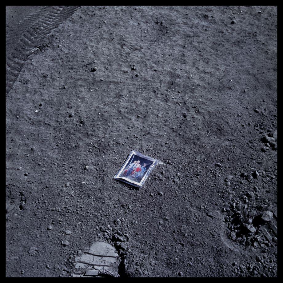 058 Image of Charles Duke's Family on Lunar