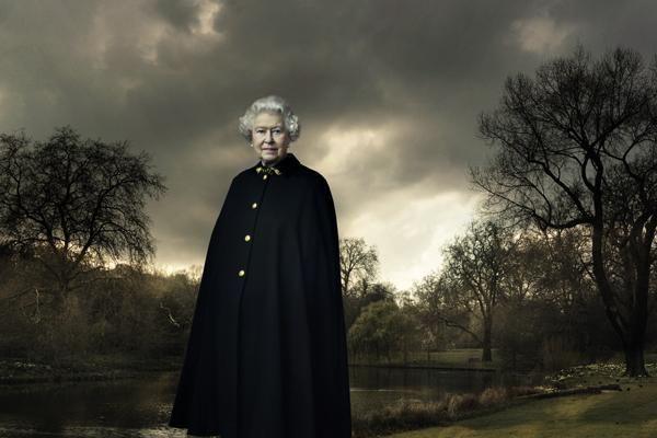 Annie Leibovitz. Queen Elizabeth II.  2007 / printed 2009.