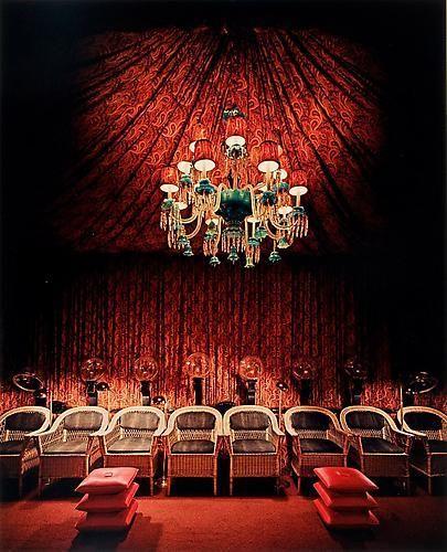 Evelyn Hofer. Beauty Palace, New York. 1963