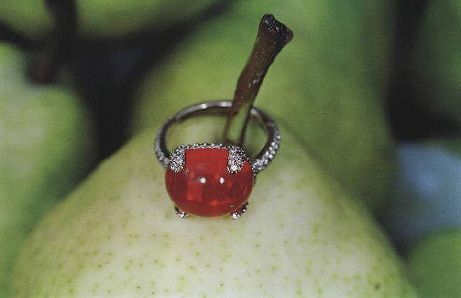 Pomellato Series, 2001