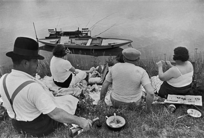 Henri Cartier-Bresson, 	On the Banks of Marne. 1938.