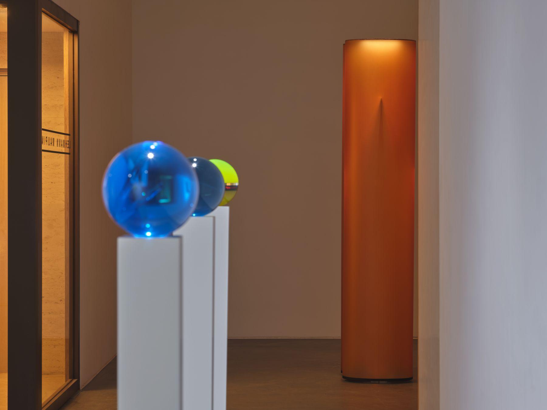 Helen Pashgian, Installation view, Lehmann Maupin, Hong Kong, 2019–2020