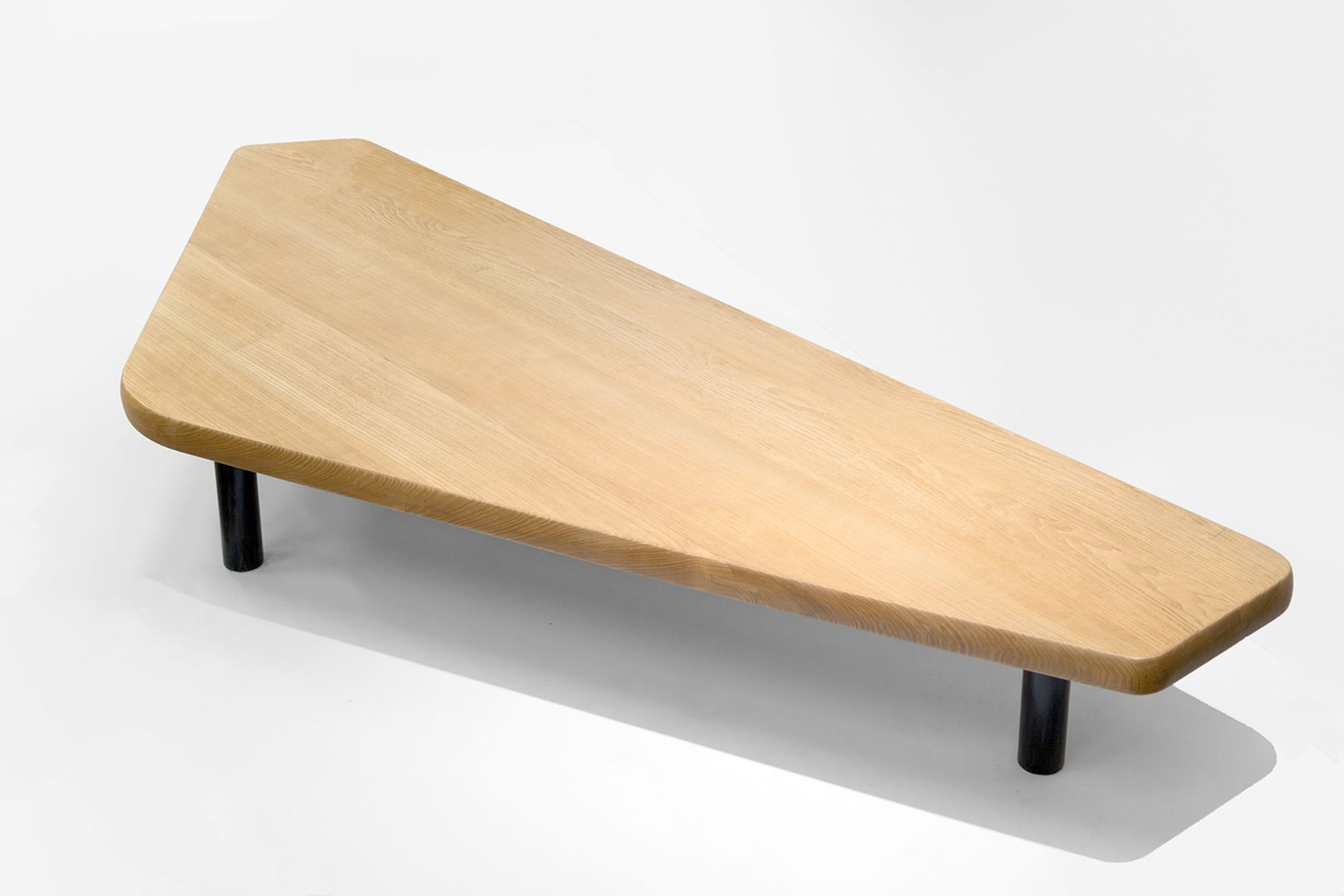 Charlotte Perriand Table basse à cinq pans