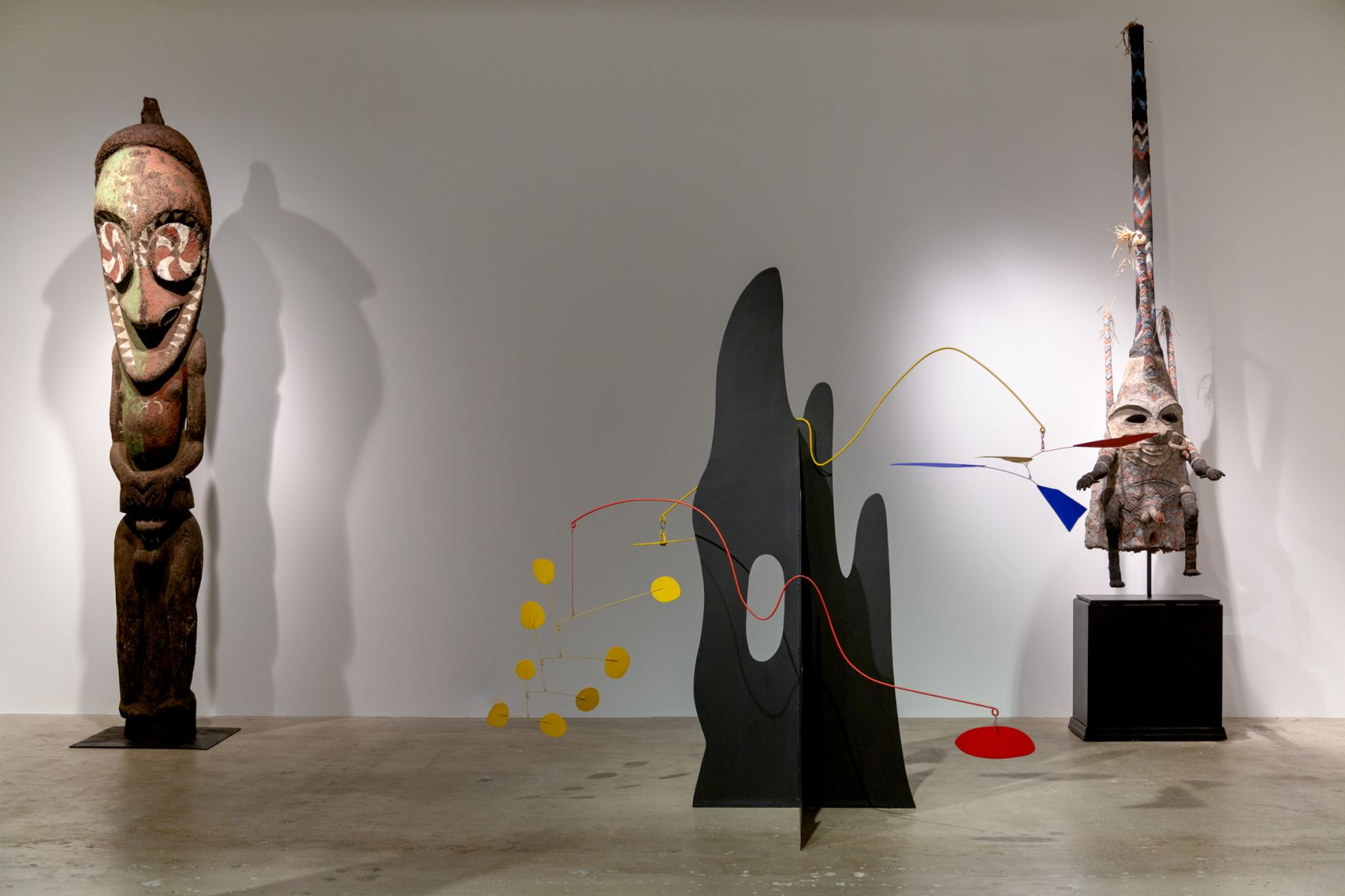 Calder Crags + Vanuatu Totems from the Collection of Wayne Heathcote, Installation Image 5