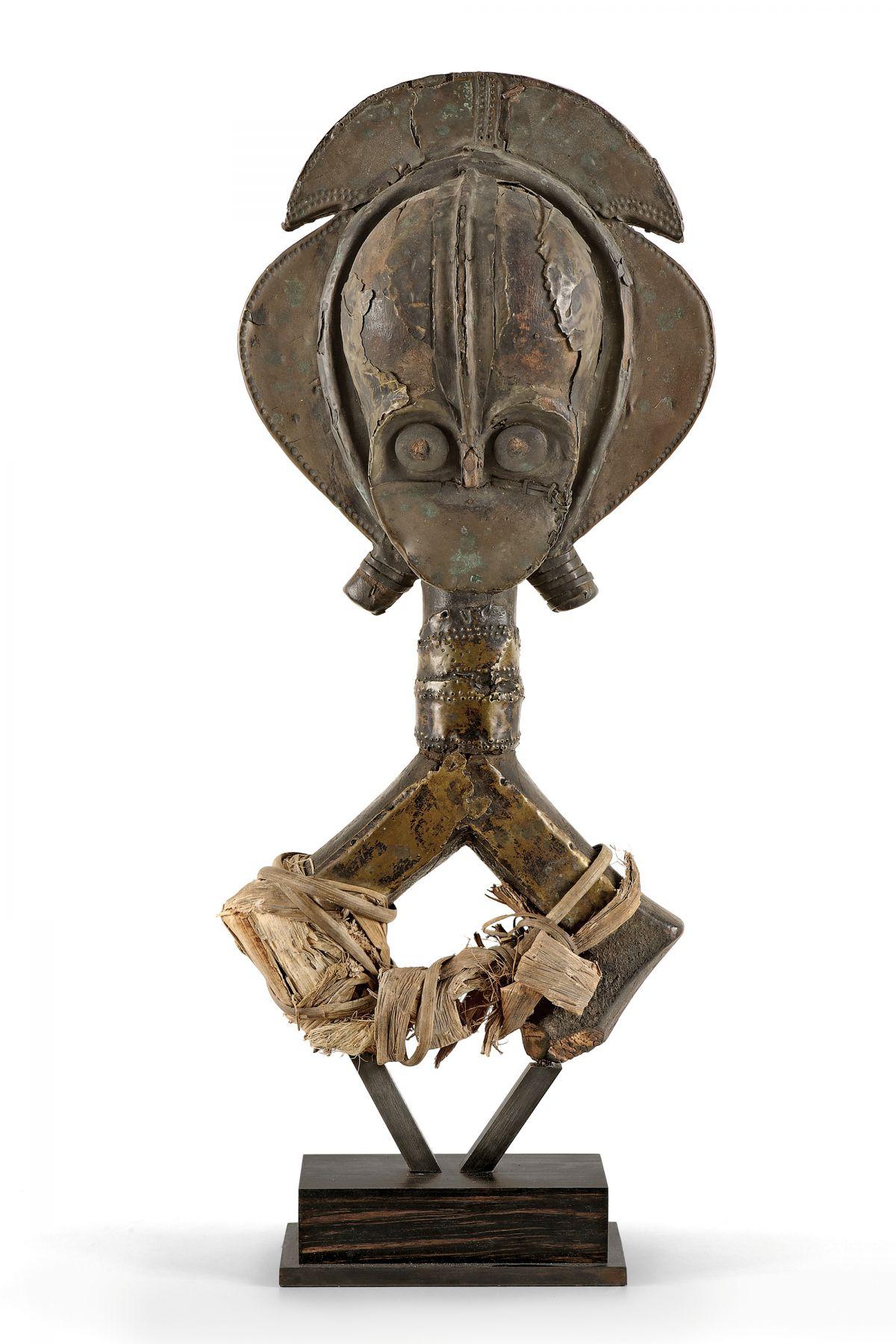 Figure de reliquaire Mbulu Ngulu (Kota)