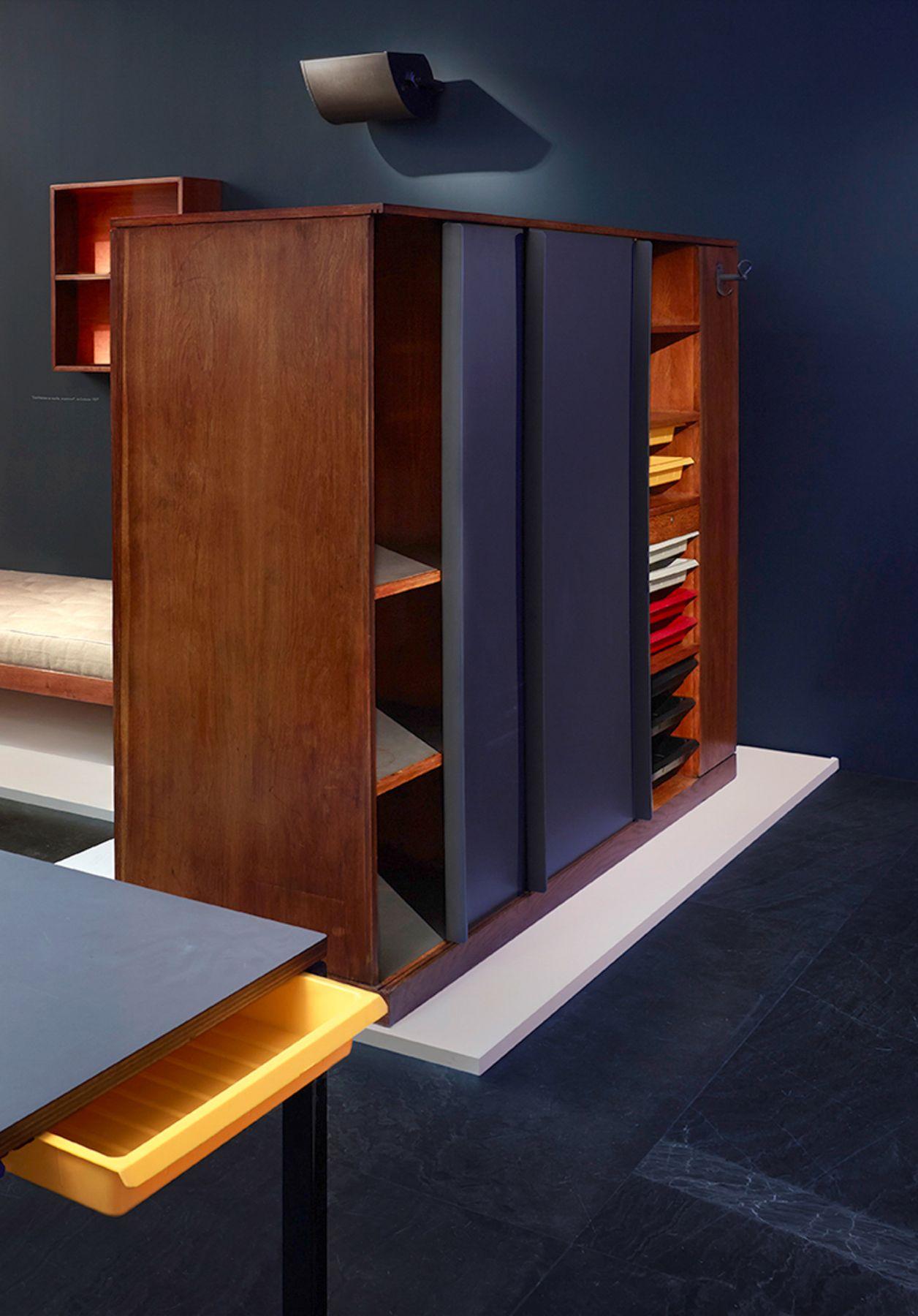 Charlotte Perriand + Le Corbusier Armoire de séparation, Chambre Maison du Brésil