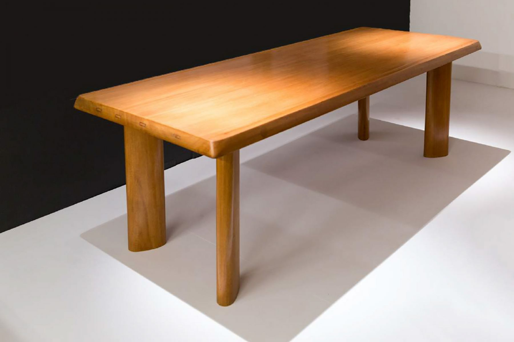 Charlotte Perriand Table de salle à manger à gorges