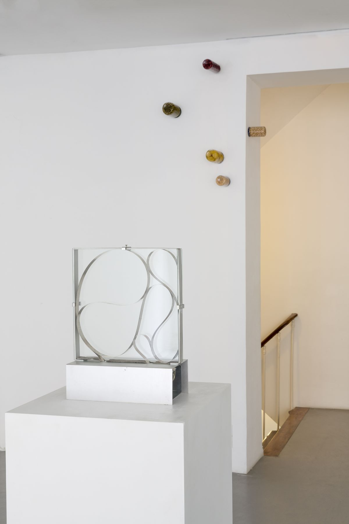 Push Pins in Elastic Space, curated by Gabriel Kuri – installation view 7