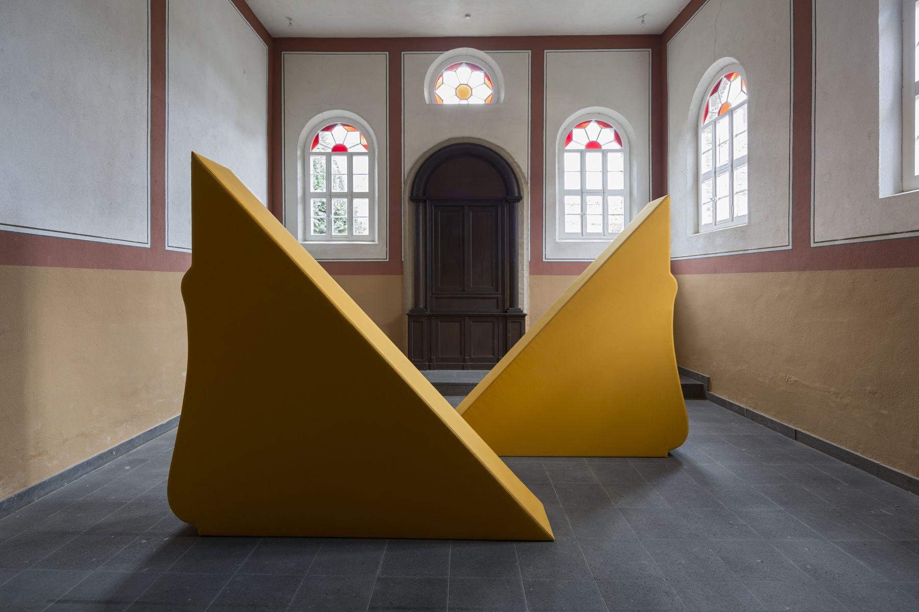 Zwei Körperformen GELB, Synagogue Stommeln