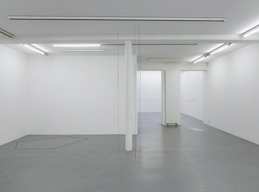 Fred Sandback – installation view 1