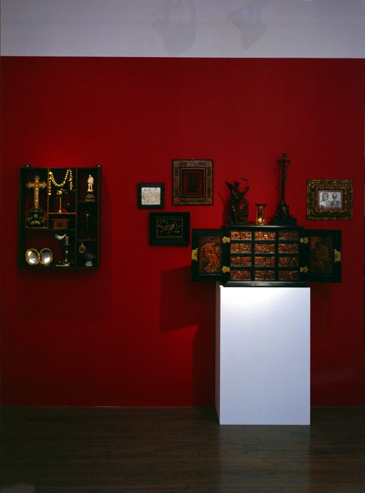 A Collector's Cabinet of Curiosities: Objects for a Wunderkammer from the 16th to the 19th Century – installation view 1