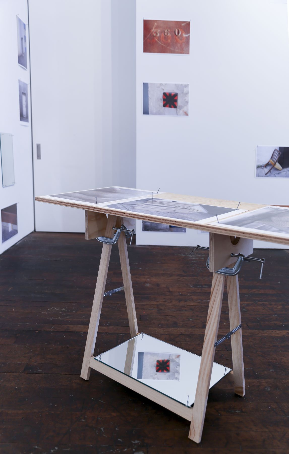 Richard Wentworth: motes to self – installation view 5