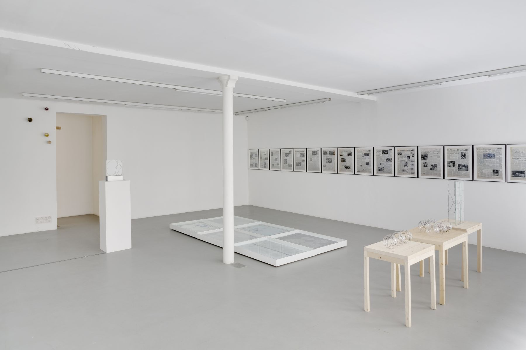 Push Pins in Elastic Space, curated by Gabriel Kuri – installation view 6