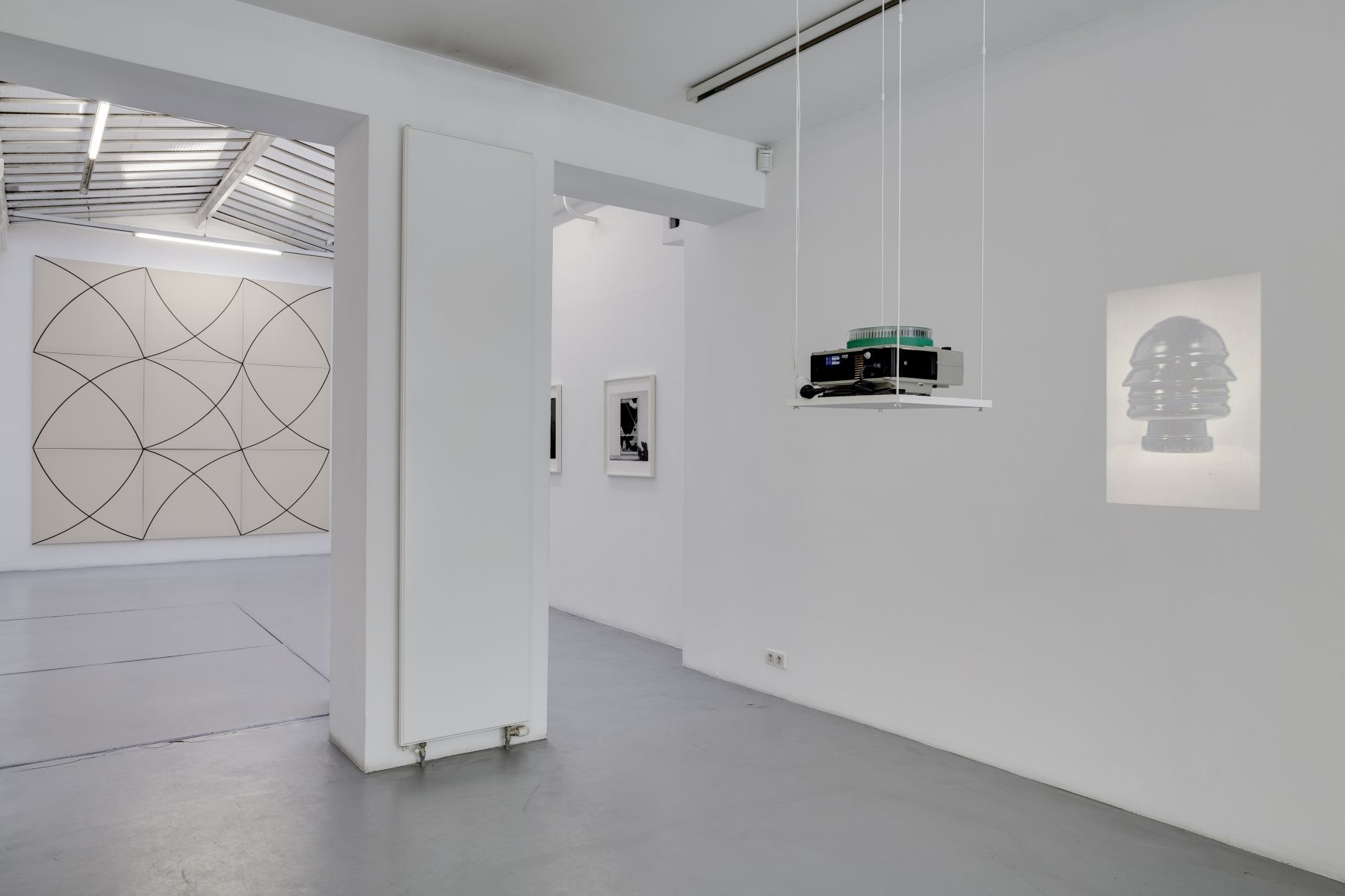 Push Pins in Elastic Space, curated by Gabriel Kuri – installation view 2