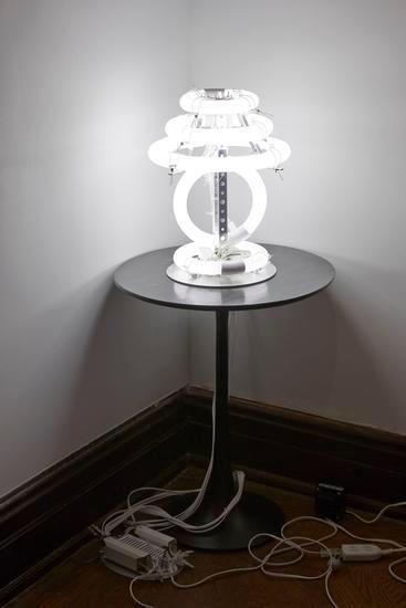 Untitled (desk lamp), 2014, Fluorescent lights, ballasts, aluminum frame, wire