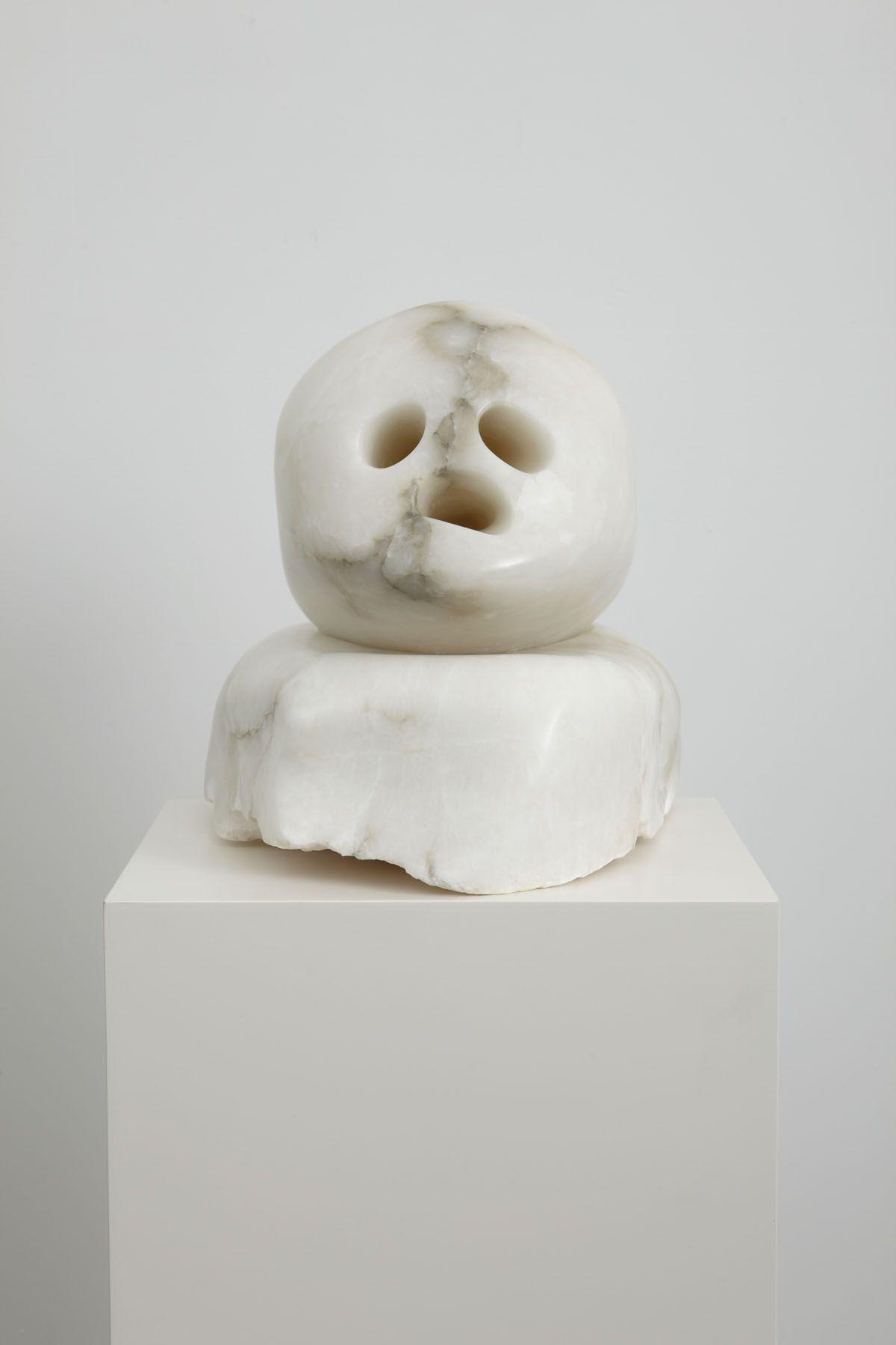 marble bust by ivette zighelboim