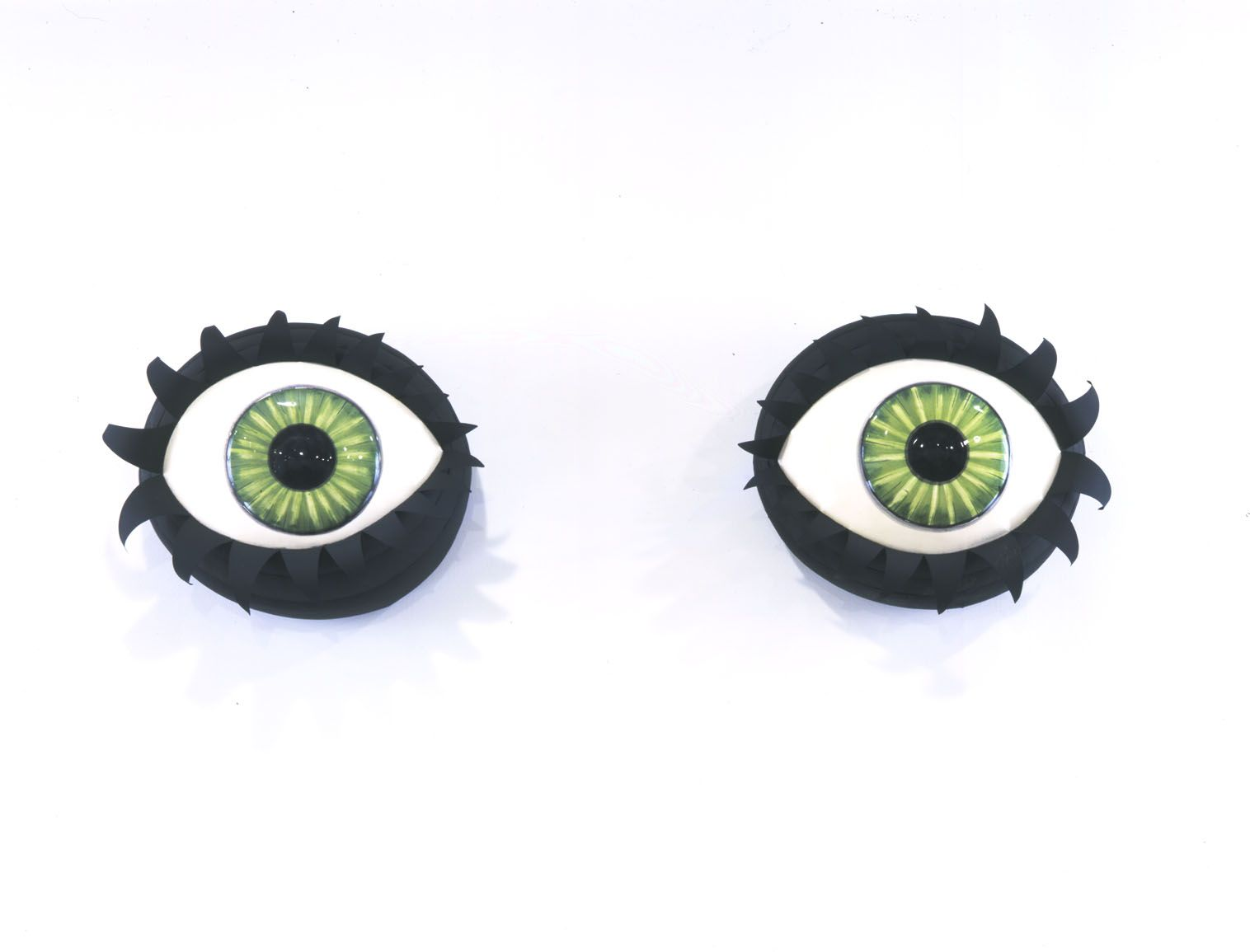 Eyes Without a Face (green), 2003, Ceramic, tin, spraypaint