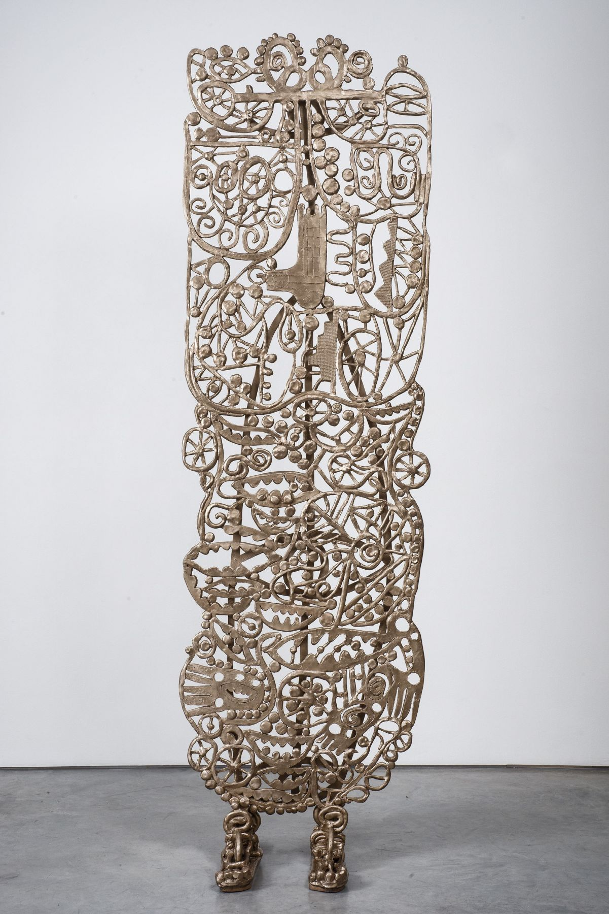 a bronze sculpture by william j. o'brien in a gallery exhibition in chelsea