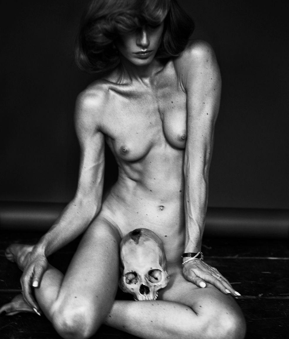 Txema Yeste, Natasa and Skull, 2011