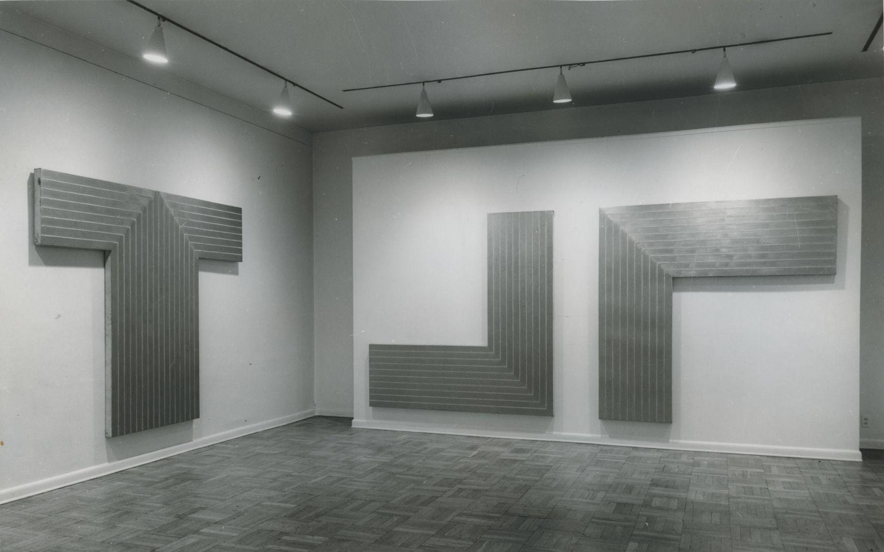 Installation view, Frank Stella, 4 EAST 77.