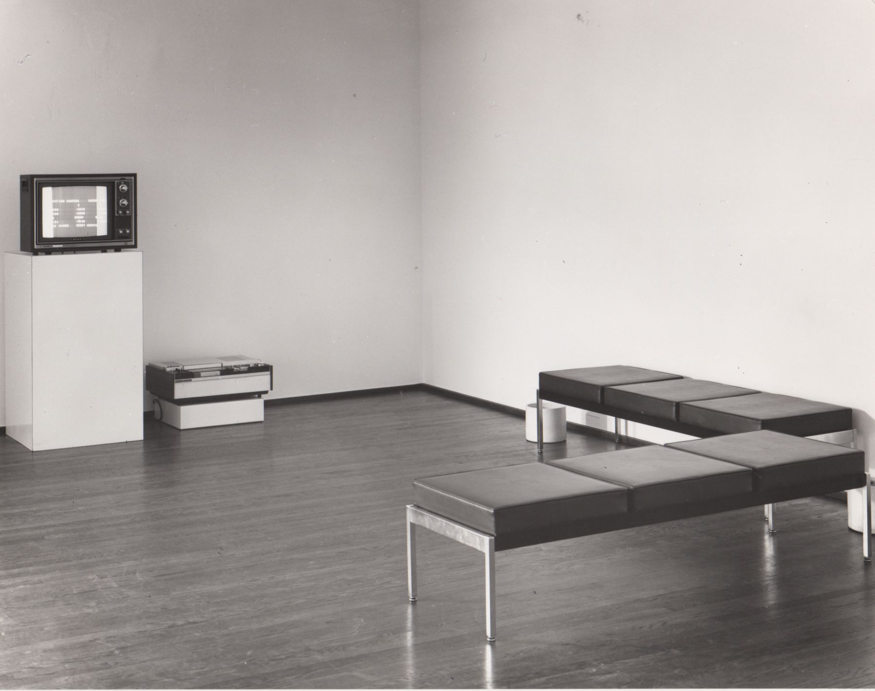 Installation view, Keith Sonnier: Radio Mix, 420 WEST BROADWAY