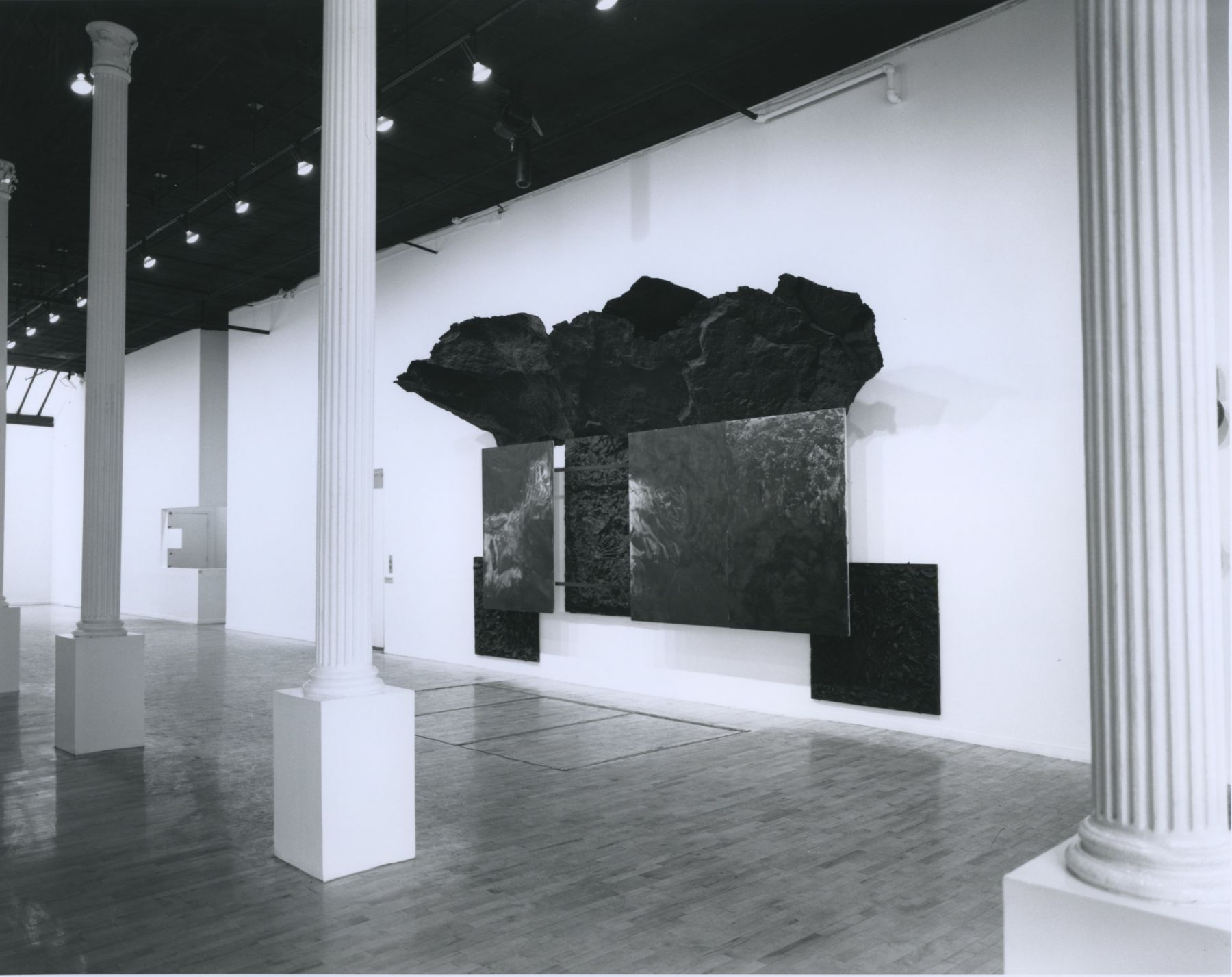 Installation view, Robert Morris, 142 GREENE