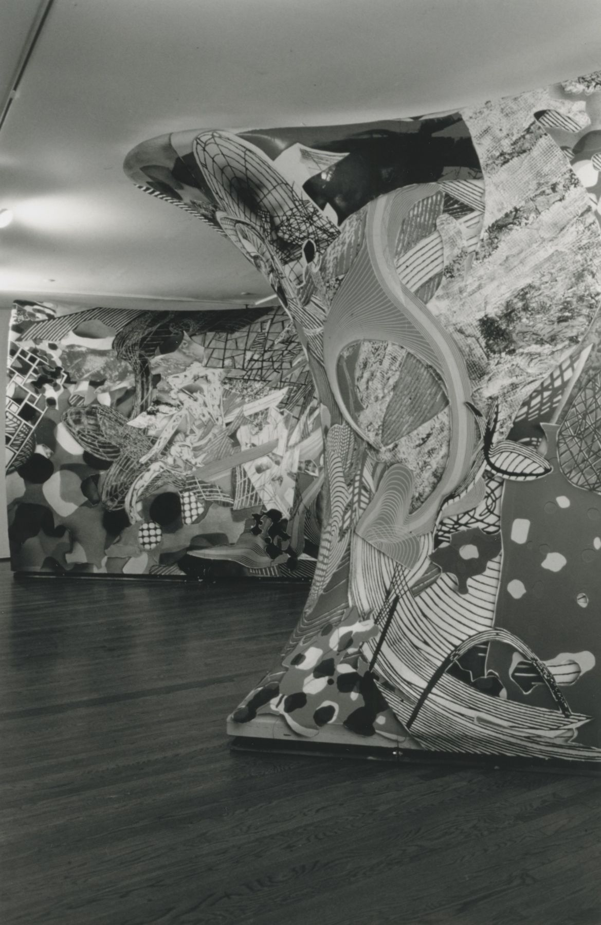 Installation view, Frank Stella: Free Standing Murals, 420 WEST BROADWAY