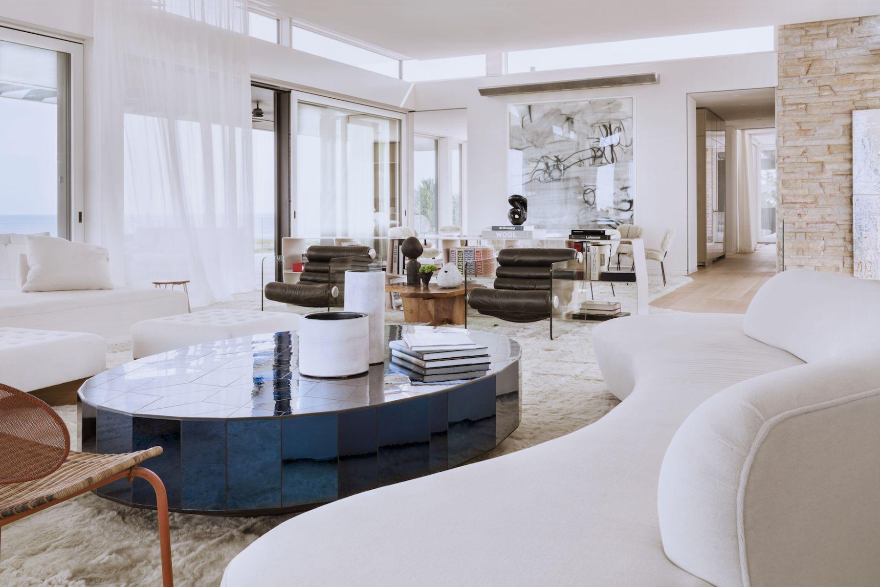 Living Room - 14