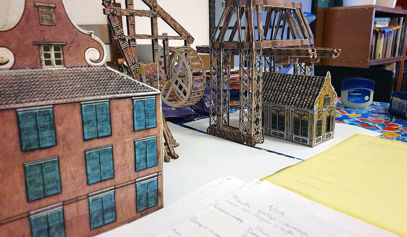 """De Beijer's 3D paper models included in """"Refinery""""."""