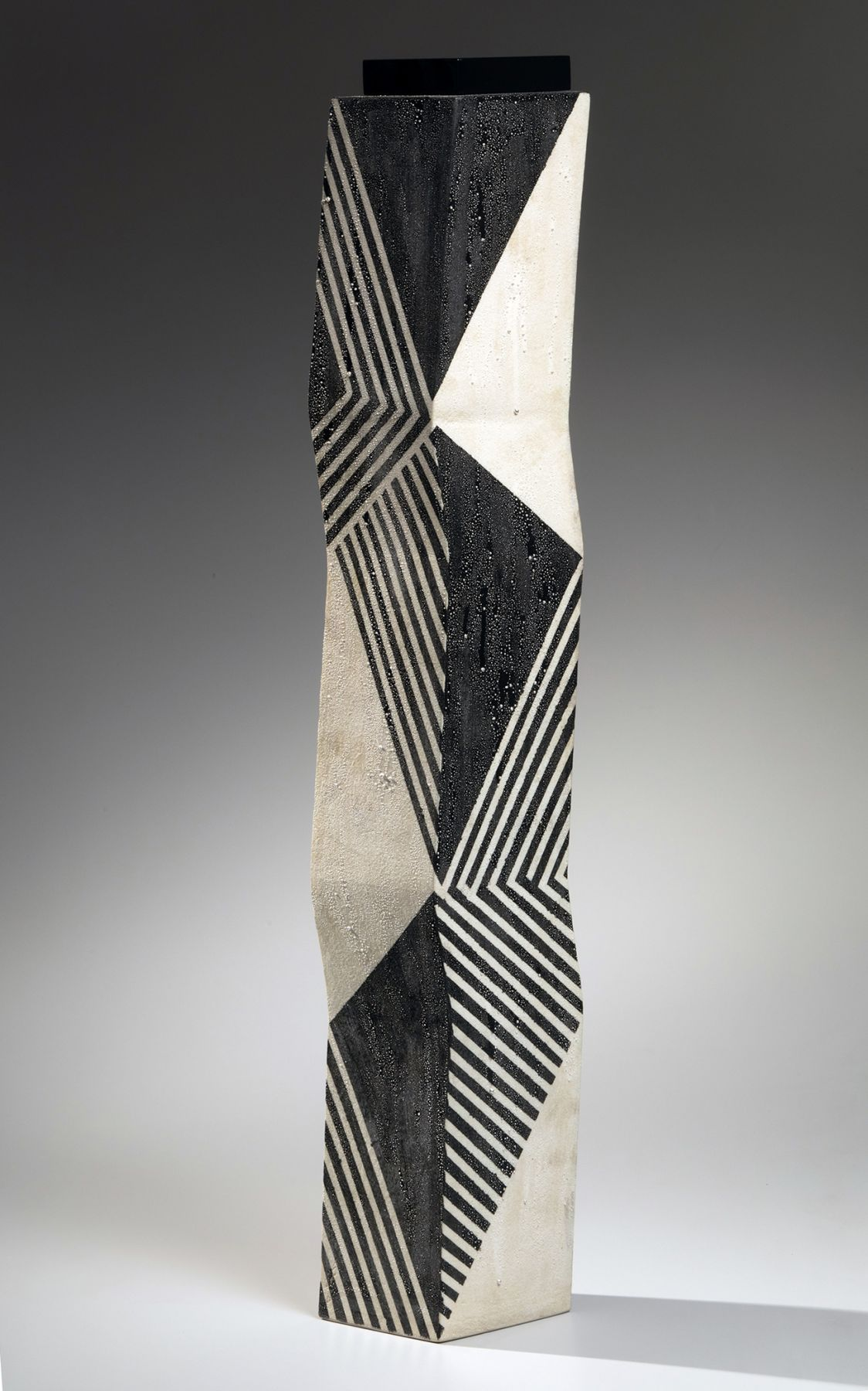 featured object - kondo zigzag 2