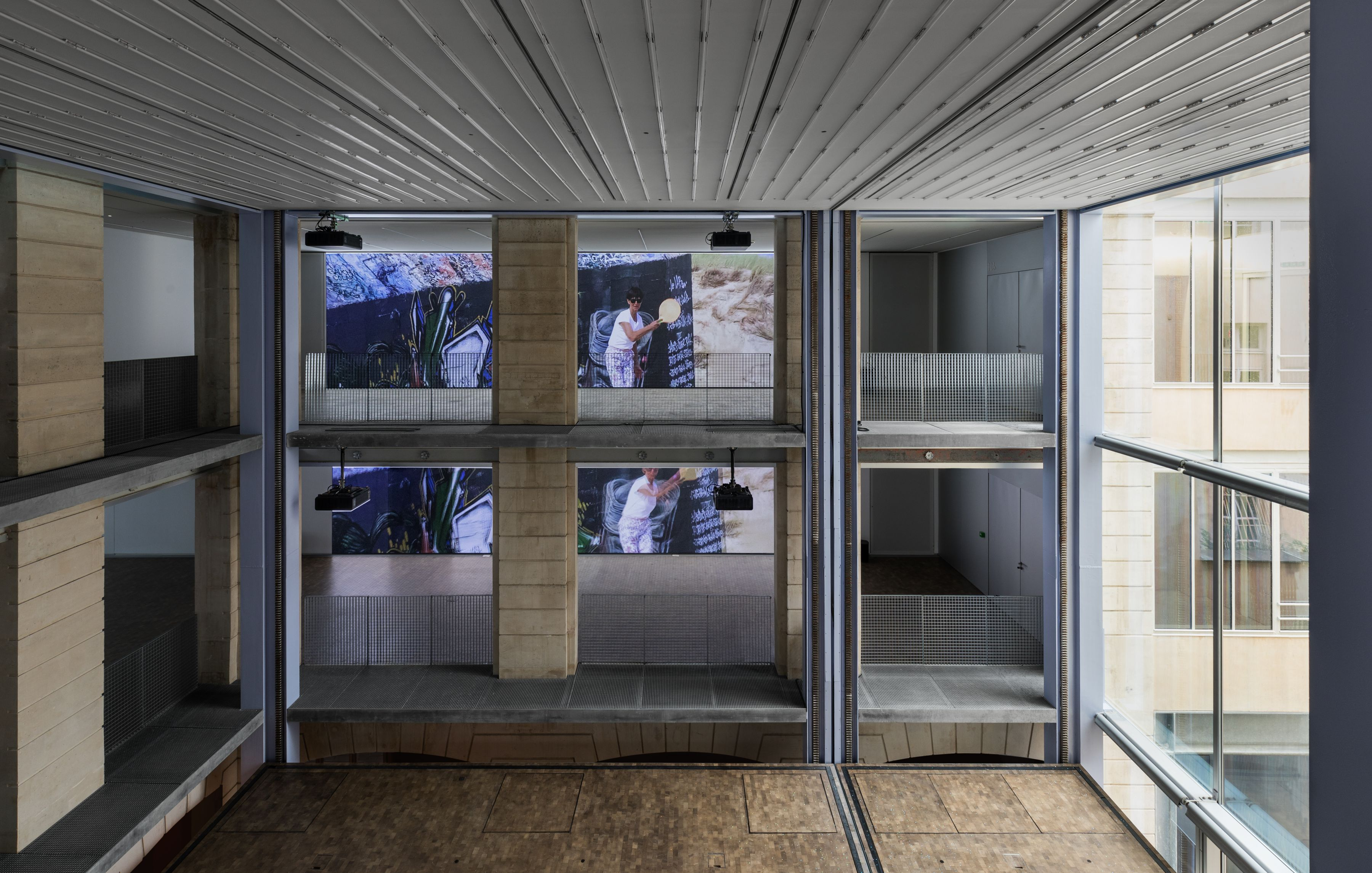 Lutz Bacher, Installation View,The Silence of the Sea, Lafayette Anticipations - Fondation d'entreprise Galeries Lafayette, 2018