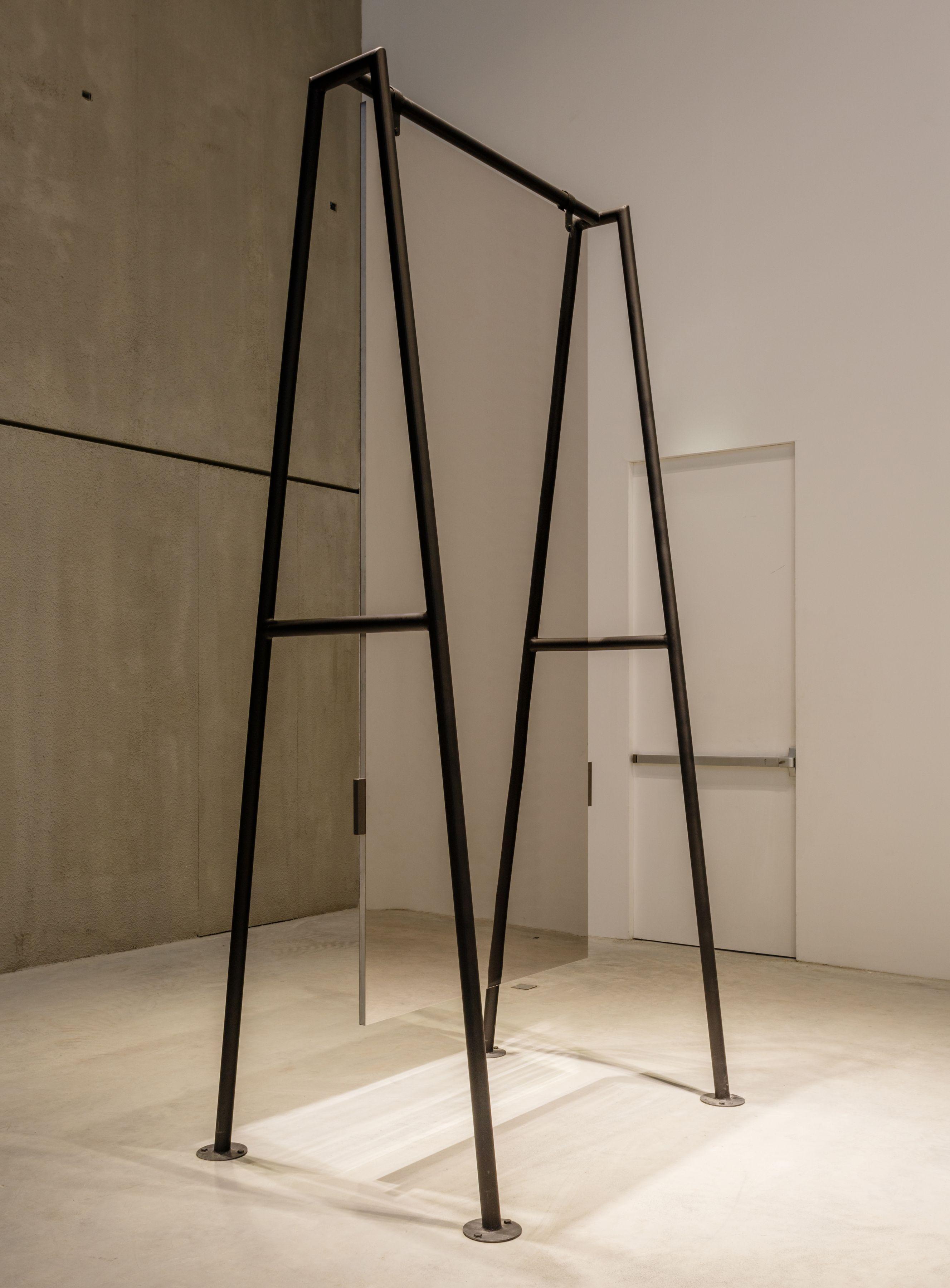 L'altalena, 1976, Mirroring steel, Iron