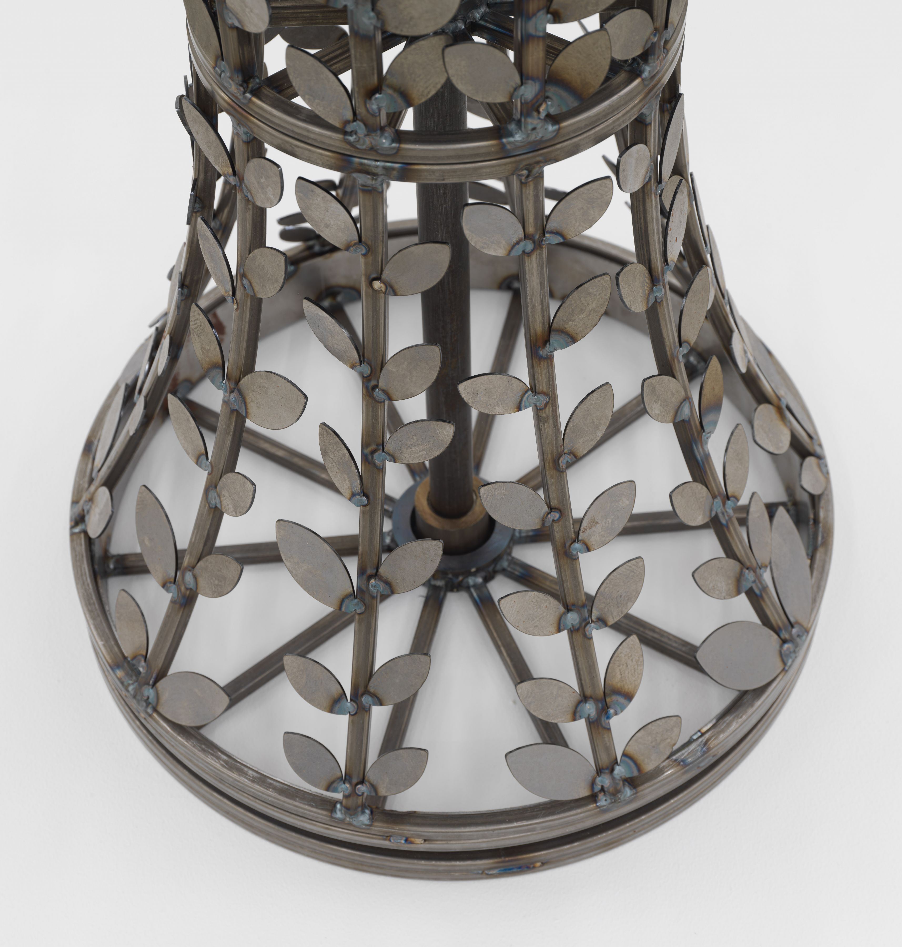 Serie Máquinas Inútiles. Lámpara, 1974/2019, detail, Welded steel
