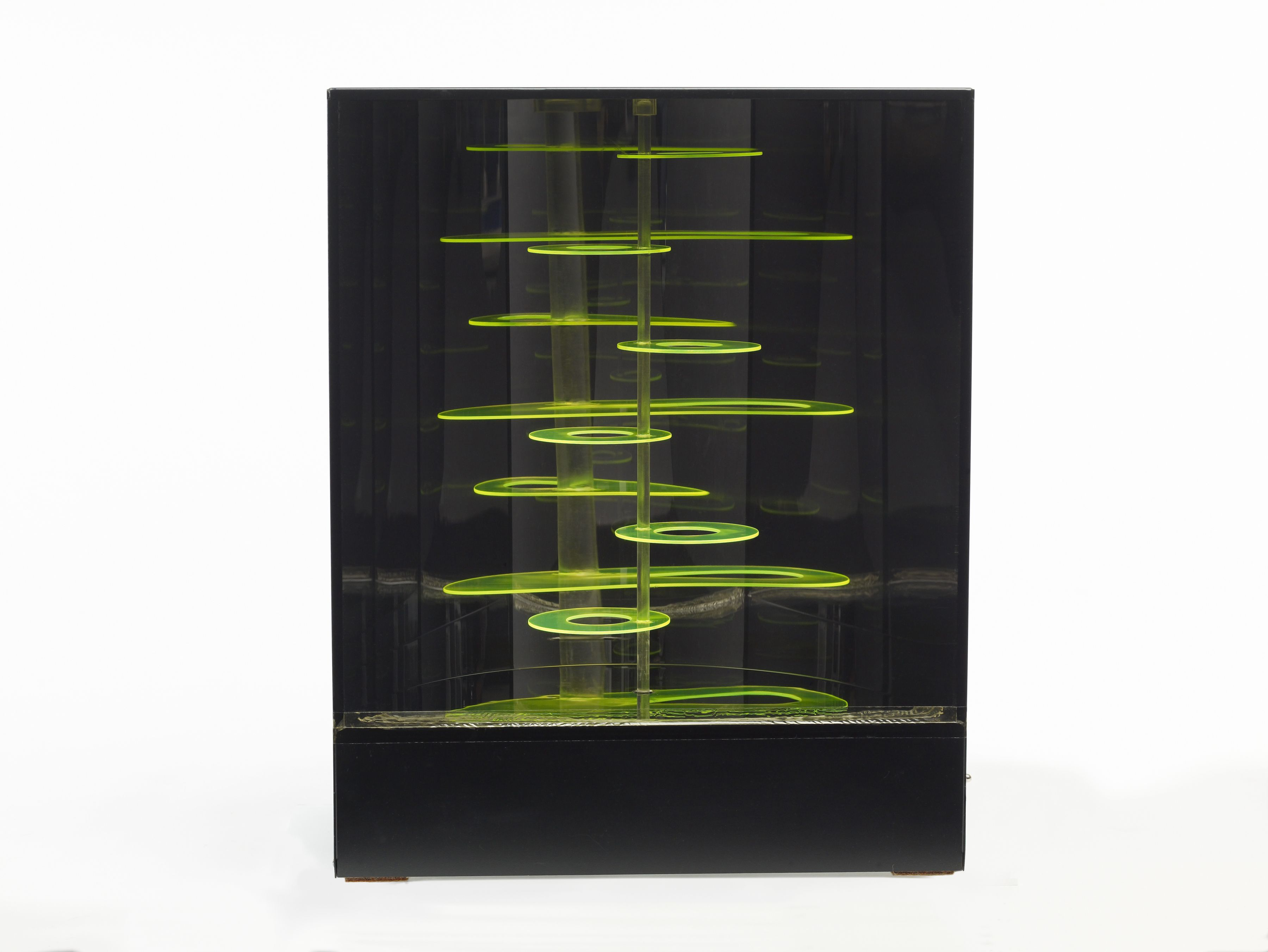 Martha Boto, Deplacements Optiques, 1968. Metal, Plexiglas, electric motor, 18 7/8 in. x 14 15/16 in. x 8 1/2 in.