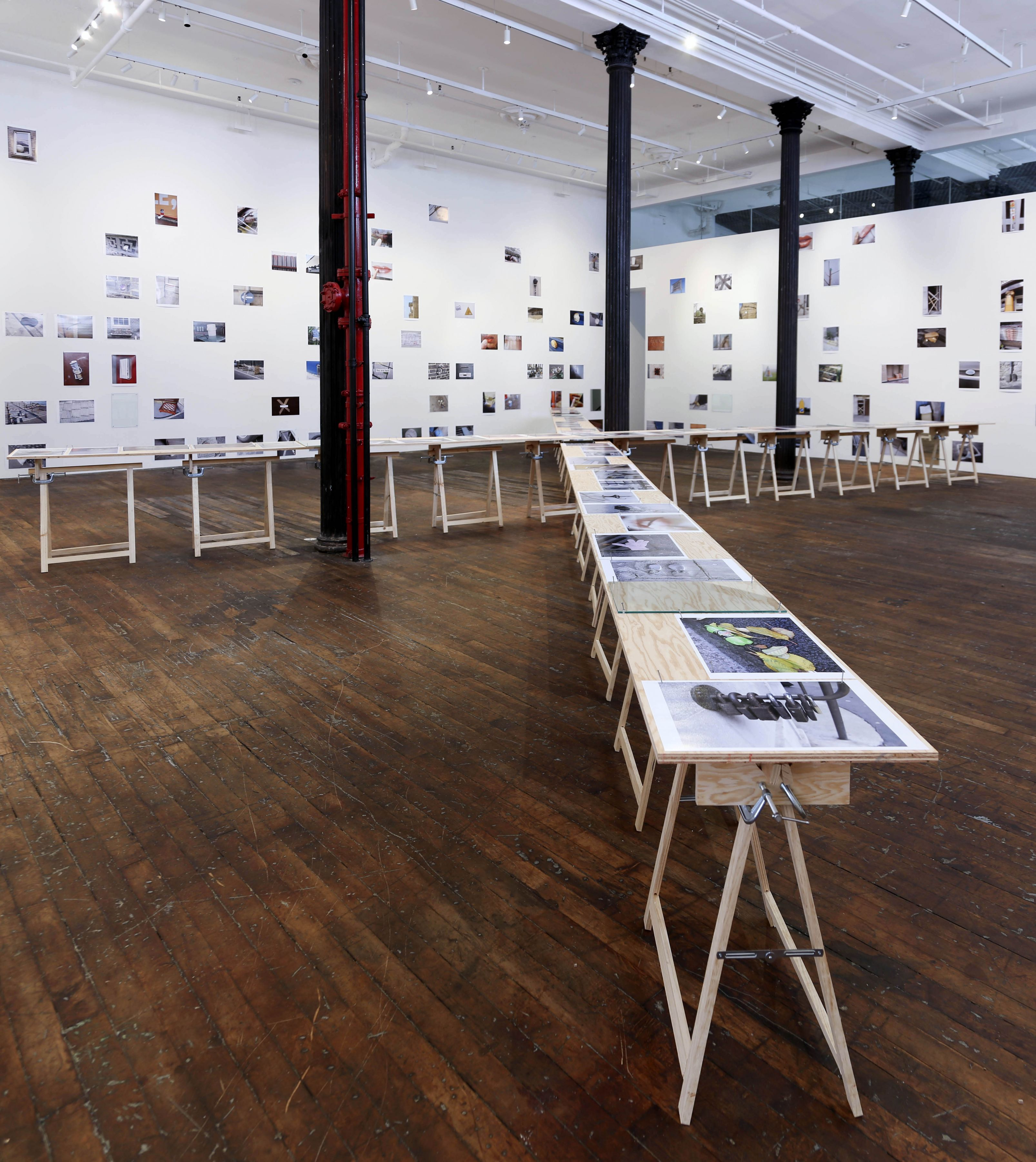 Richard Wentworth: motes to self – installation view 2