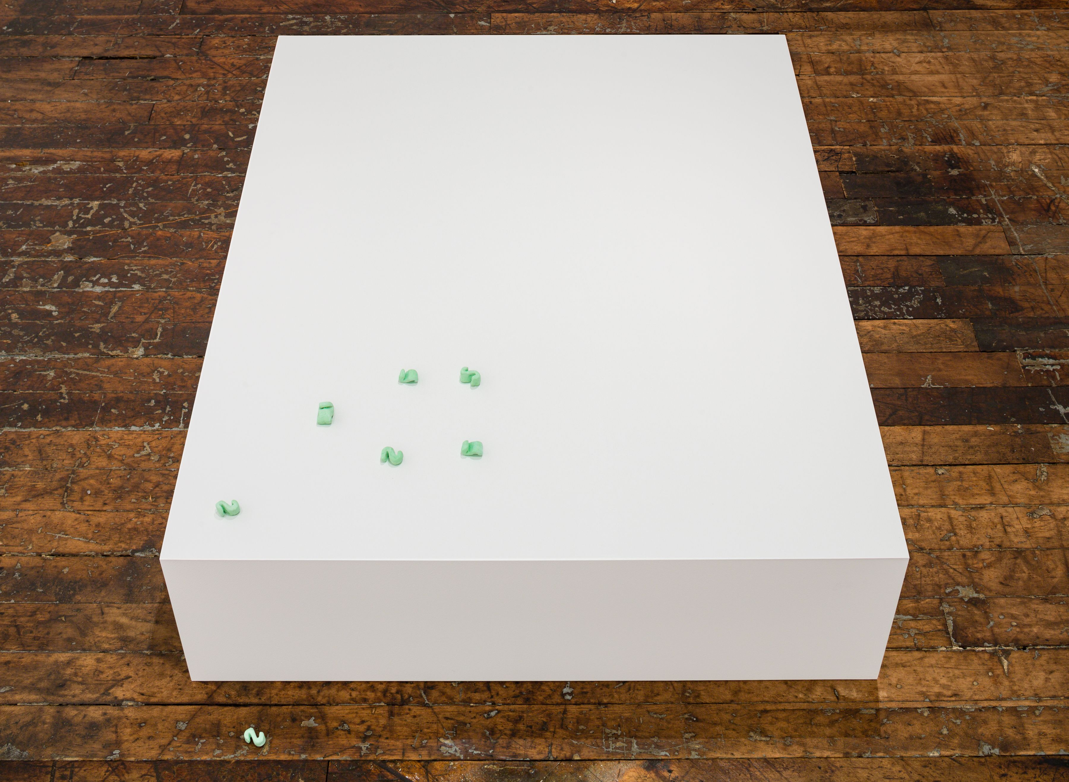 Untitled (12 packing peanuts)