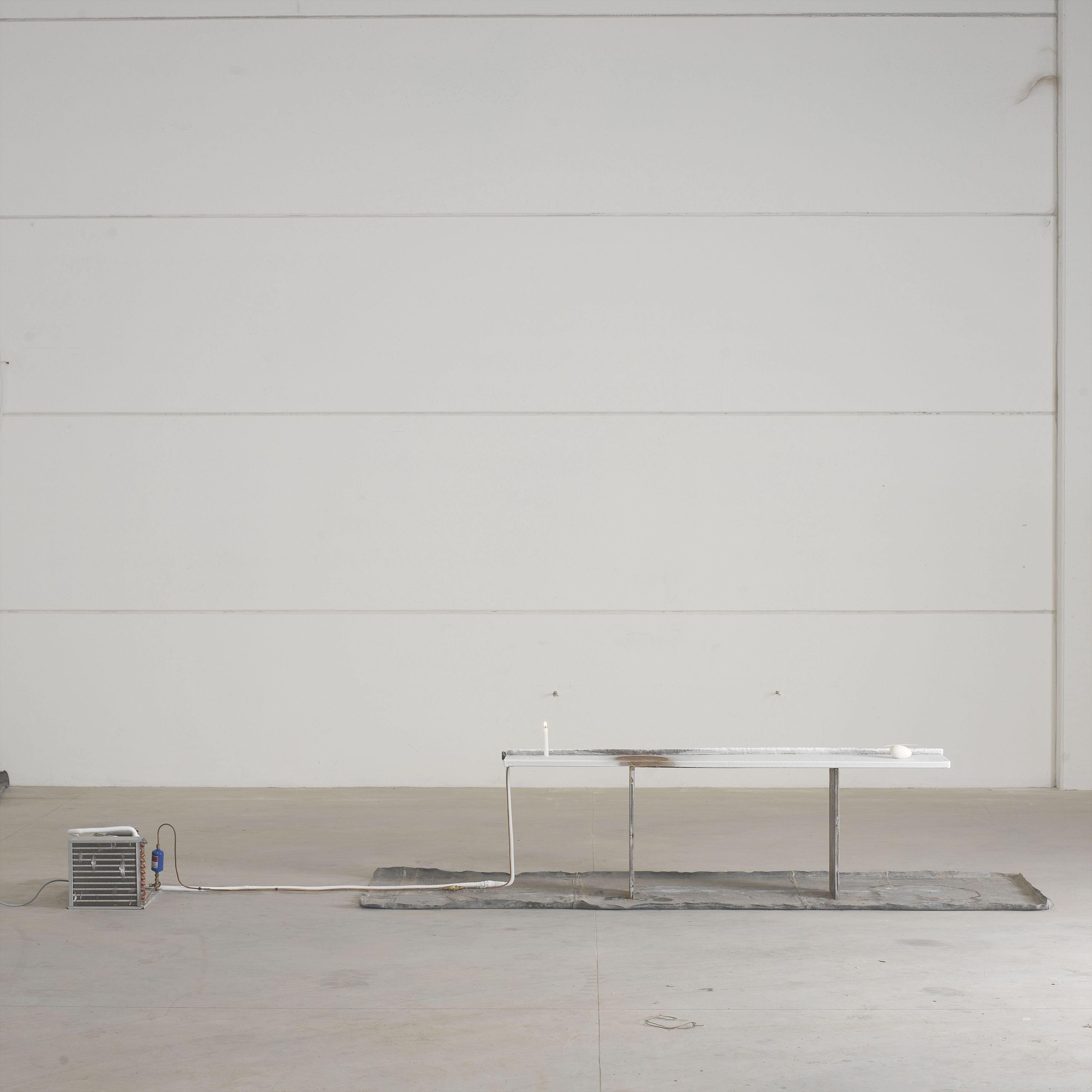 Pier Paolo Calzolari, Untitled (Lasciare il posto), 1967-1970