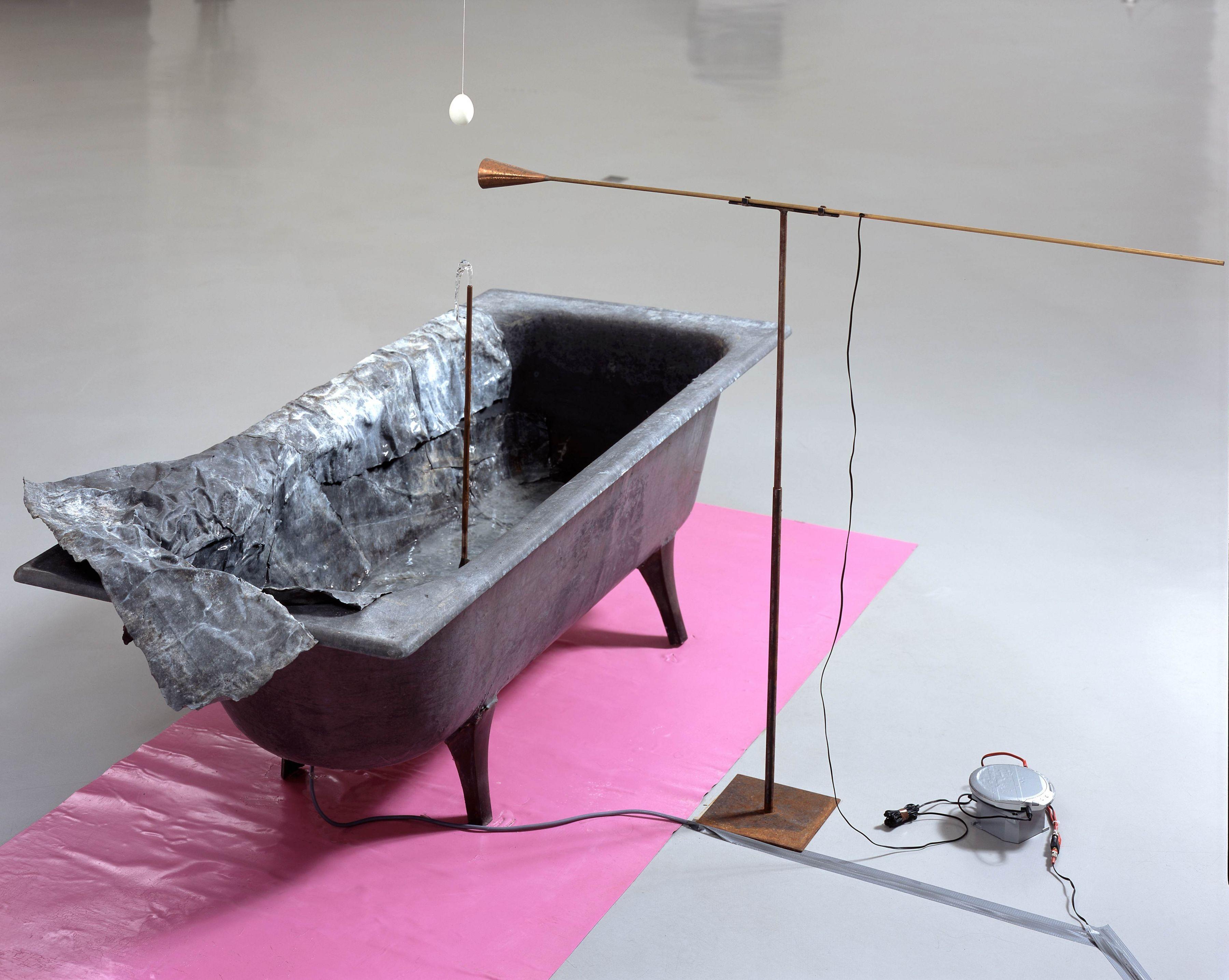 bathtub installation by pier paolo calzolari