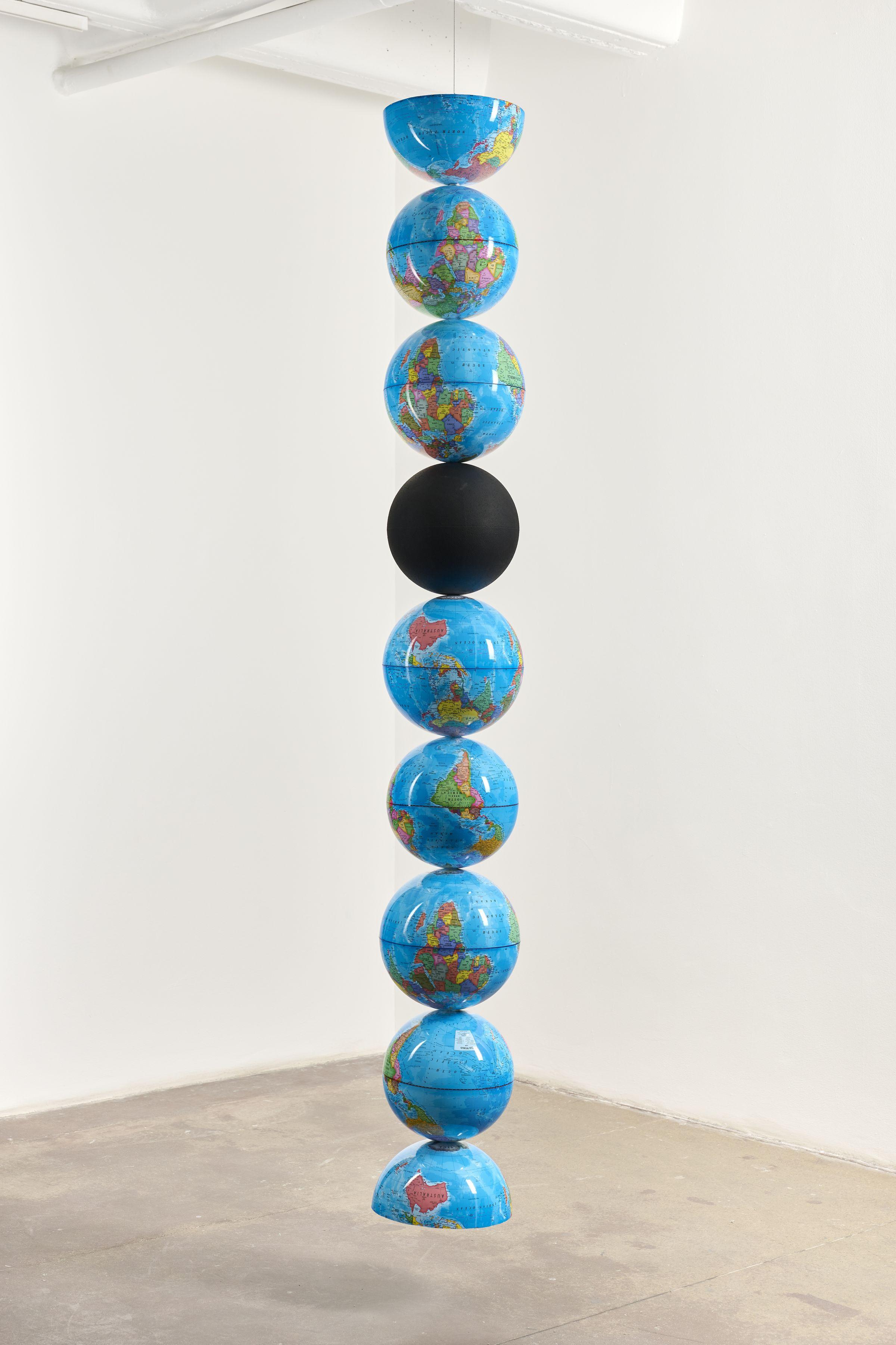 model for an endless column artwork