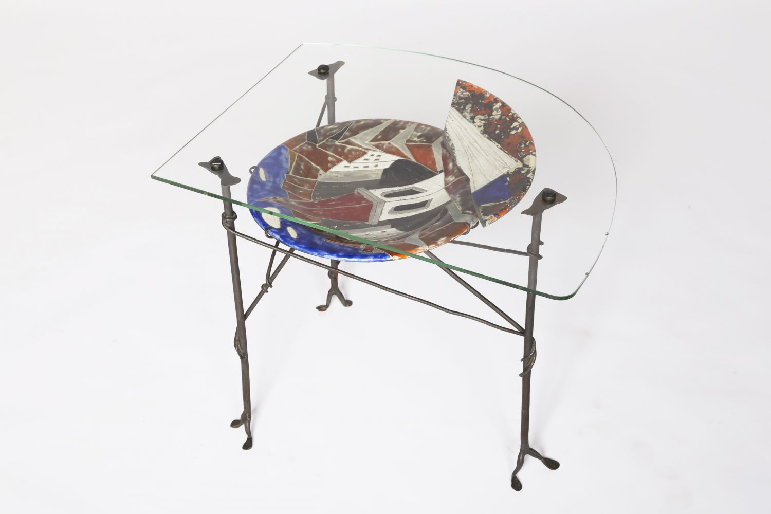 Les Archange' ceramic and glass coffee table, full view from above