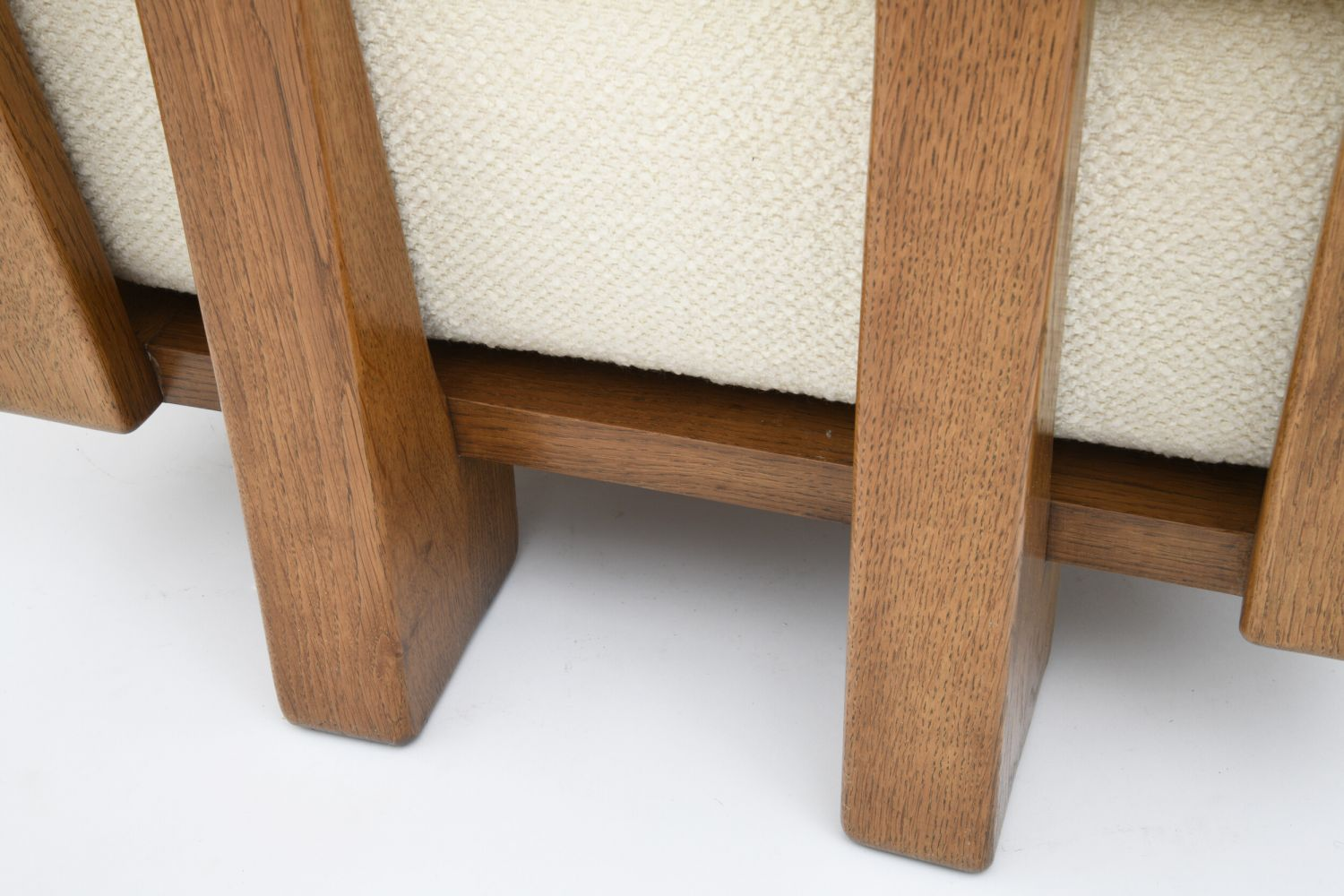 "Guillerme et Chambron - detail of Set of 4 ""Elmyre"" low chairs/Four-seat sofa"