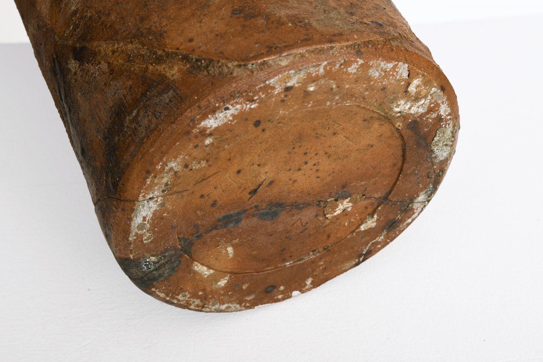 La Borne's ceramic pitcher, close up view of underneath pitcher showing signature