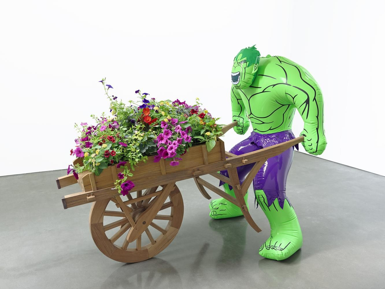 Jeff Koons Hulk (Wheelbarrow) 2004-2013 polychromed bronze, wood, copper, and live flowering plants 68 1/16 x 48 3/8 x 81 5/8 inches (172.9 x 122.9 x 207.3 cm)