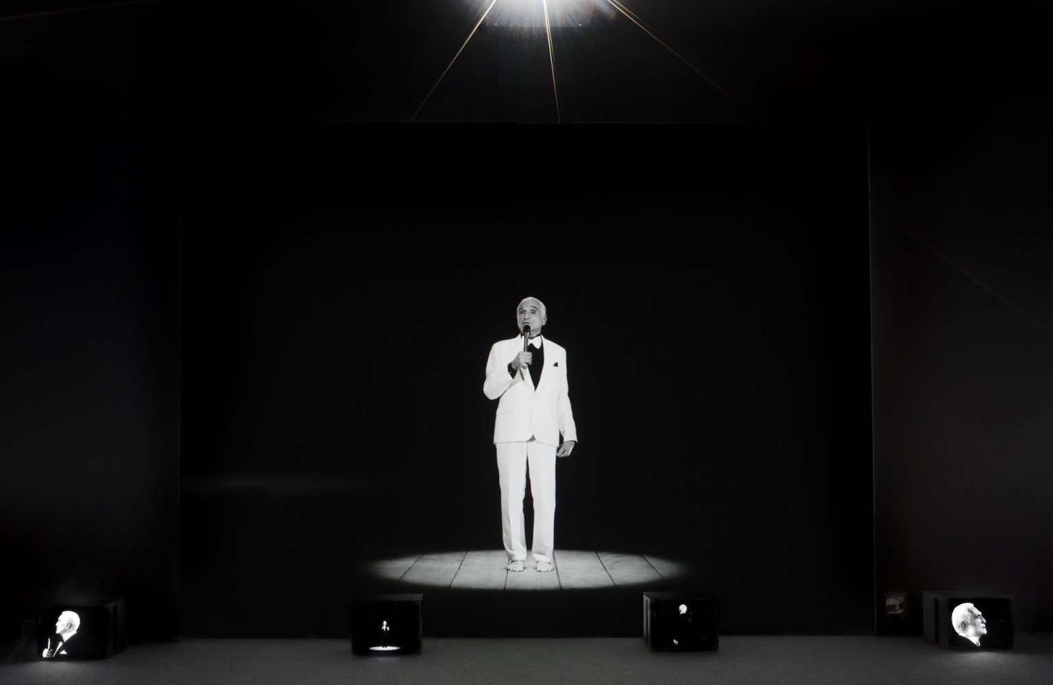 Ugo Rondinone's Thanx 4 Nothing for I ♥ John Giorno, Palais de Tokyo, 2015