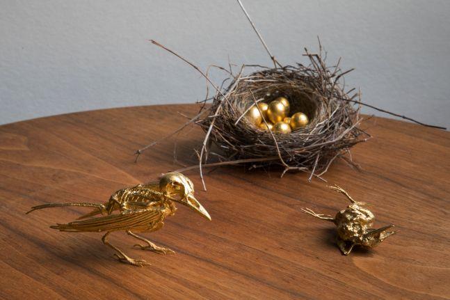 Noel Grunwaldt, Two Gold Birds with Nest, 2016