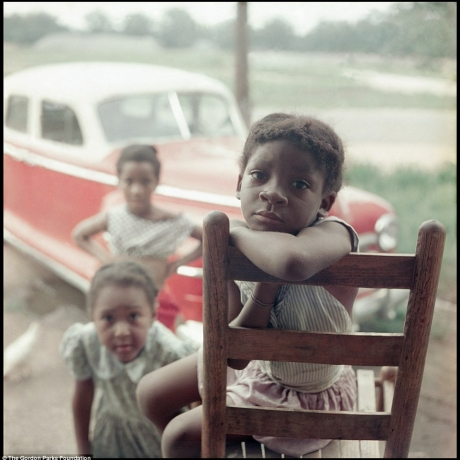 """Shotguns, sundaes and segregation: Stunning photos of families in 1950s Alabama offer poignant look at life during civil-rights era"""