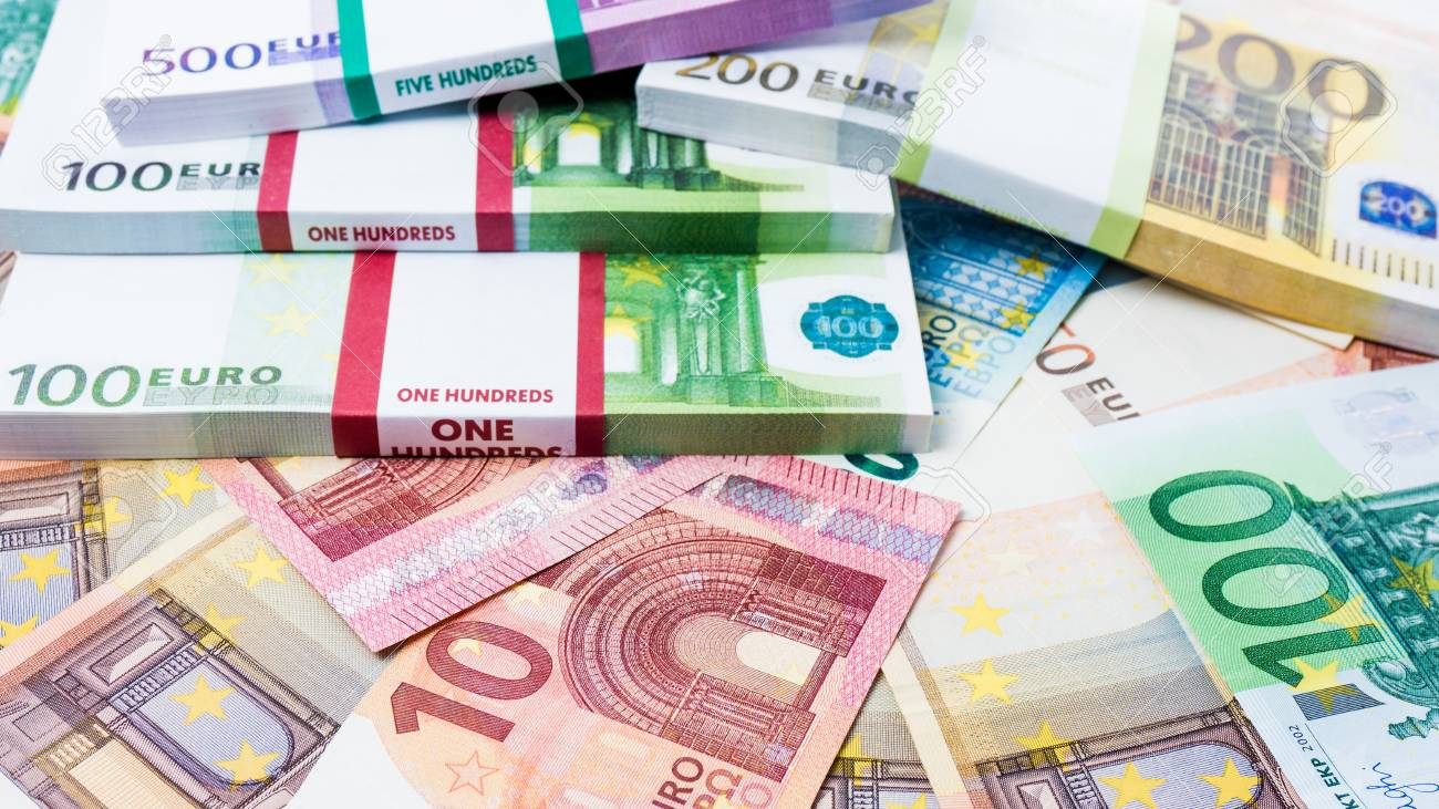 69134872-lots-of-cash-money-euros-euro-money-banknotes-money-euro-background.jpg