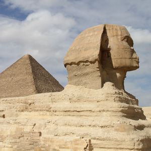 Sphinx and the Pyramid of Khufu