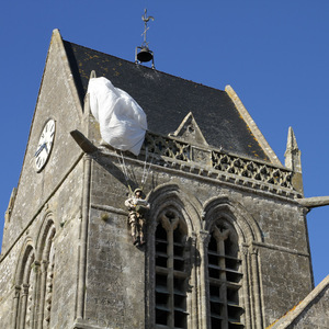 Parachutist stuck on Sainte-Mère-Église
