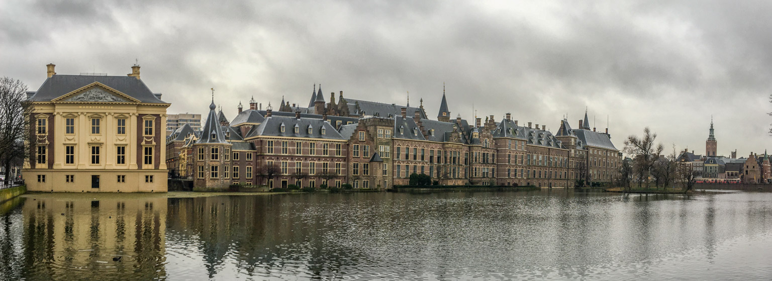 Panoramic view of Mauritshuis and the Binnenhof